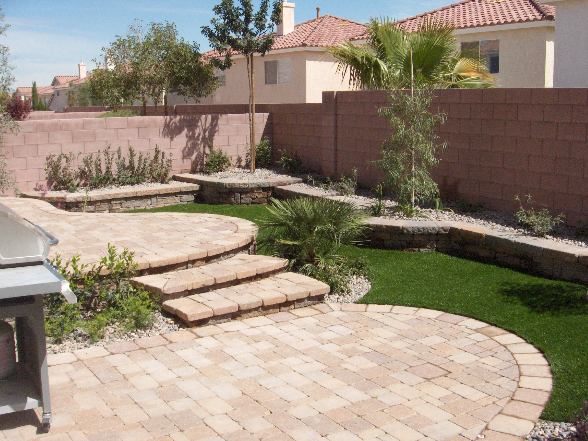 Living water lawn and garden inc las vegas nv 89149 angies list - Small backyard landscaping designs ...