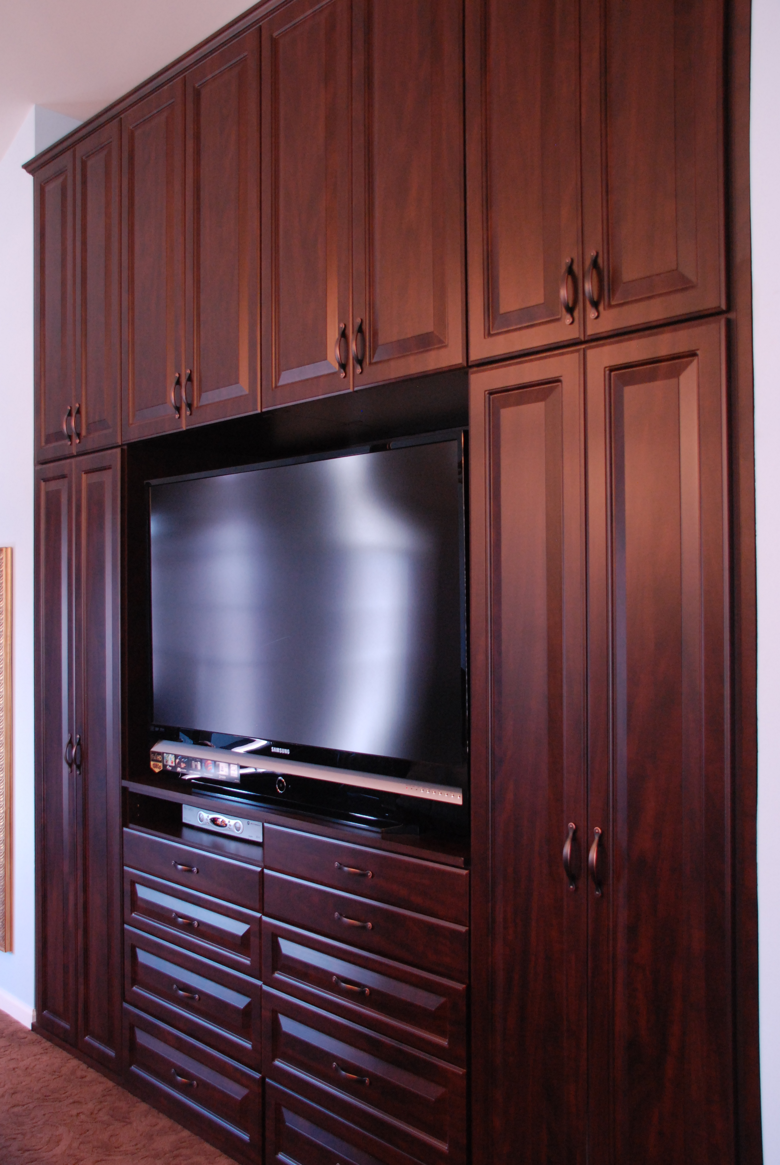 Everything closets niles il 60714 angies list Master bedroom tv wall unit