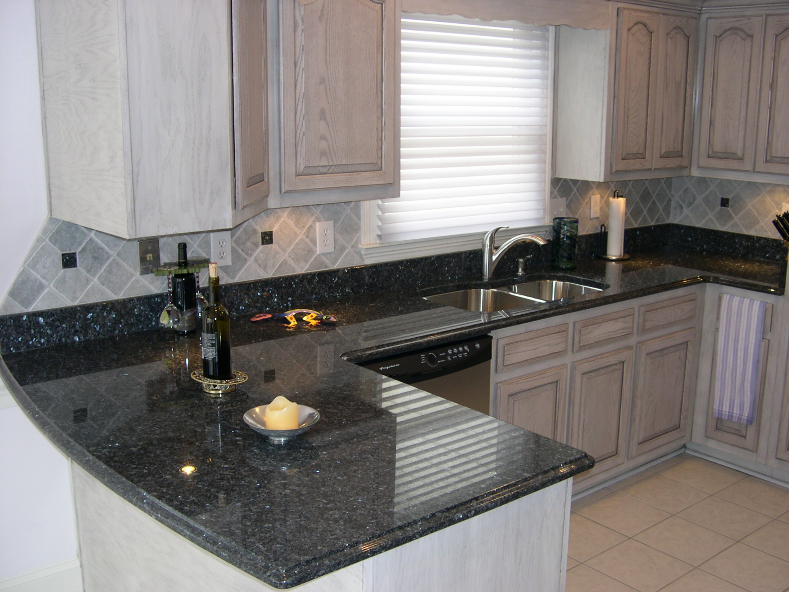 Crowe Counters At Granite Countertop Warehouse Acworth Ga 30101 Angies List