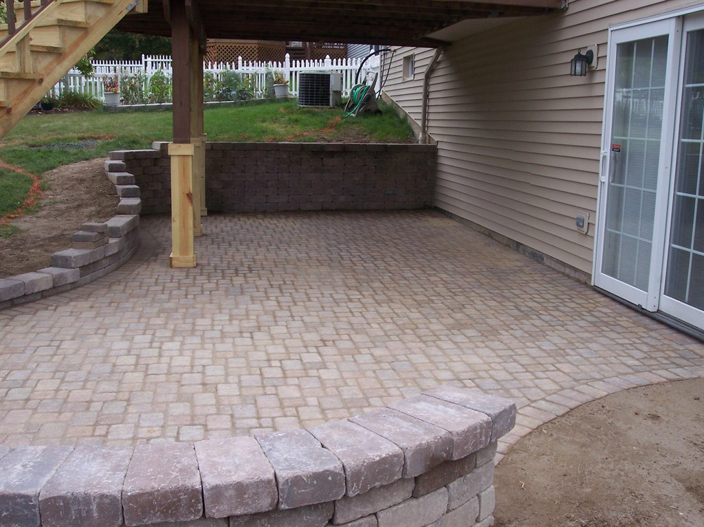Pro cut landscape development valley city oh 44280 for Deck designs over walkout basement