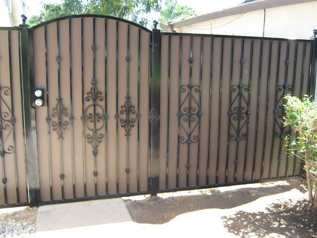 wallpaper iron fence - photo #27