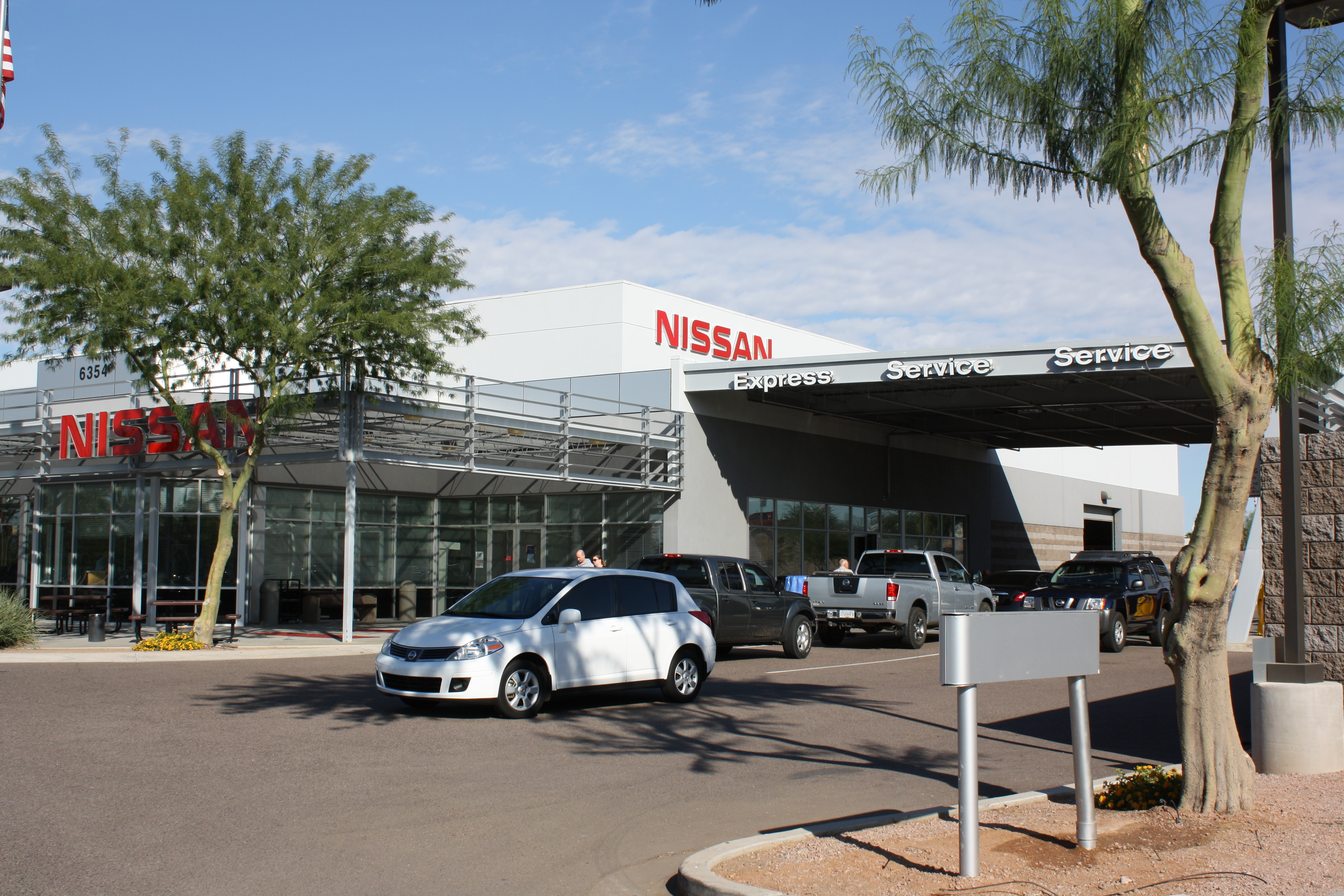 Earnhardt nissan mesa az 85206 angies list for Moon valley motor care