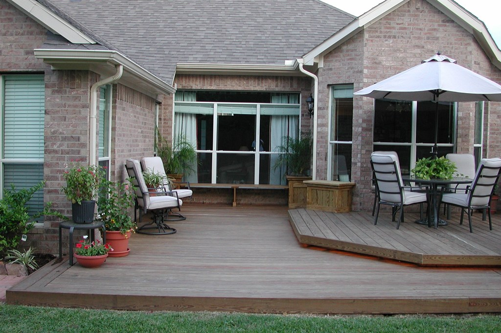 Backyard decks houston tx 77062 angie 39 s list for Backyard deck designs pictures