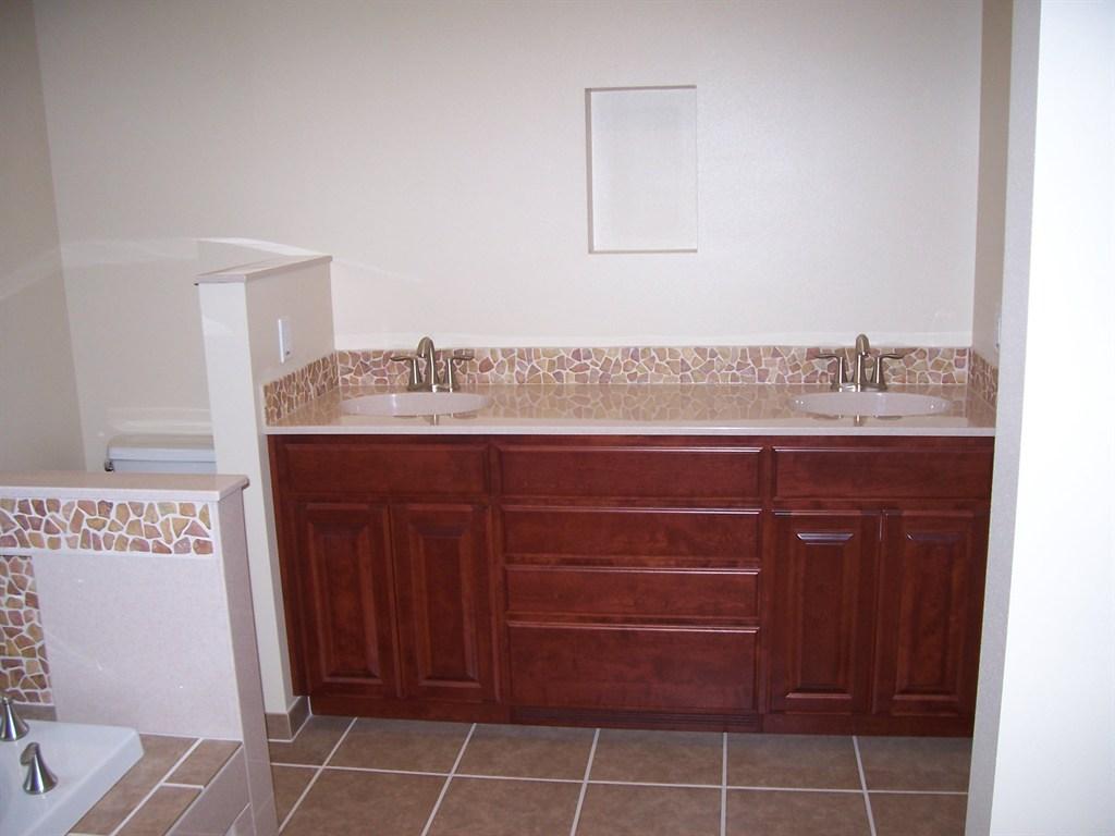 Frank j ford remodeling llc kent wa 98032 angies list for Bathroom remodel 33411