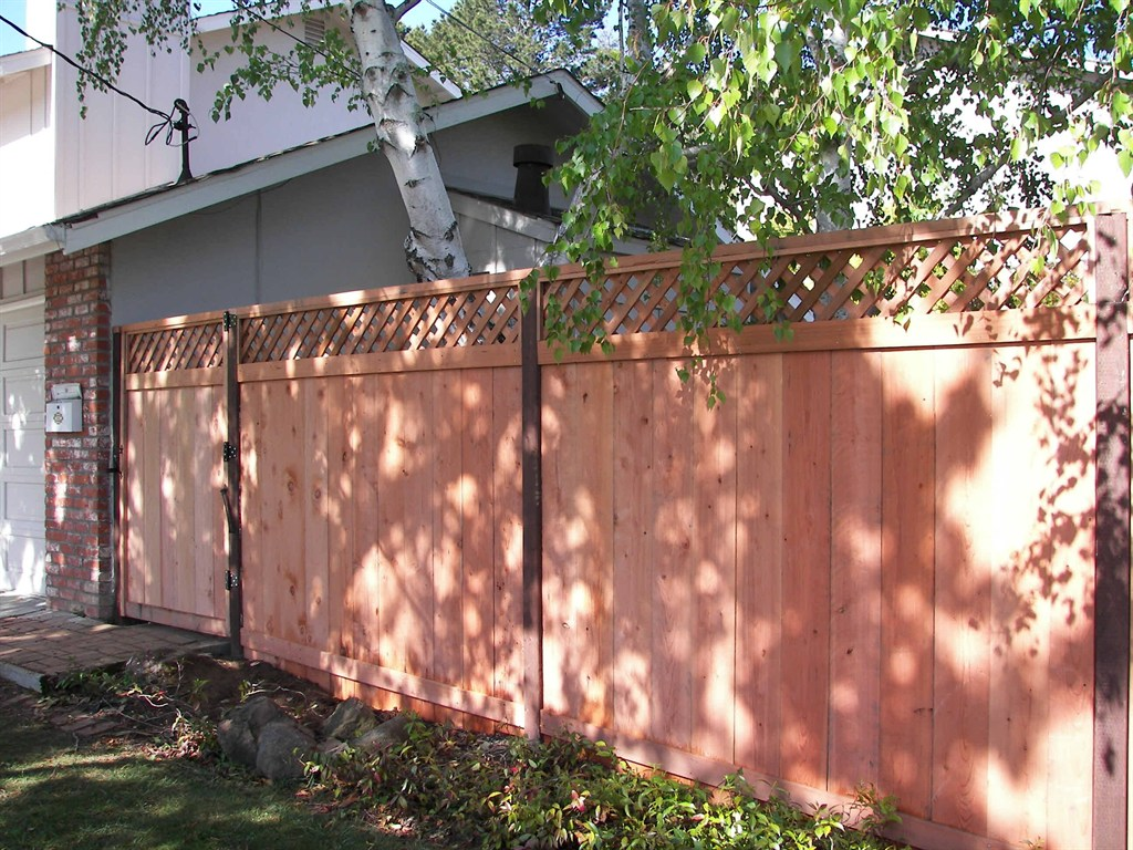 Side by side fence boards