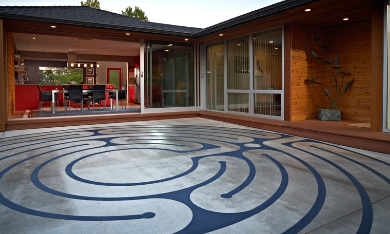 Mid-Century Modern Patio Labyrinth