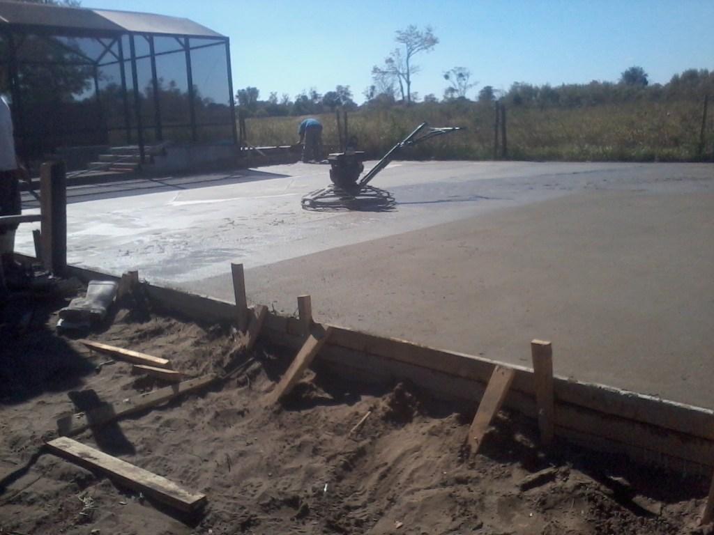 Avilez concrete contractors apopka fl 32703 angies list for Concrete floor cleaning contractors
