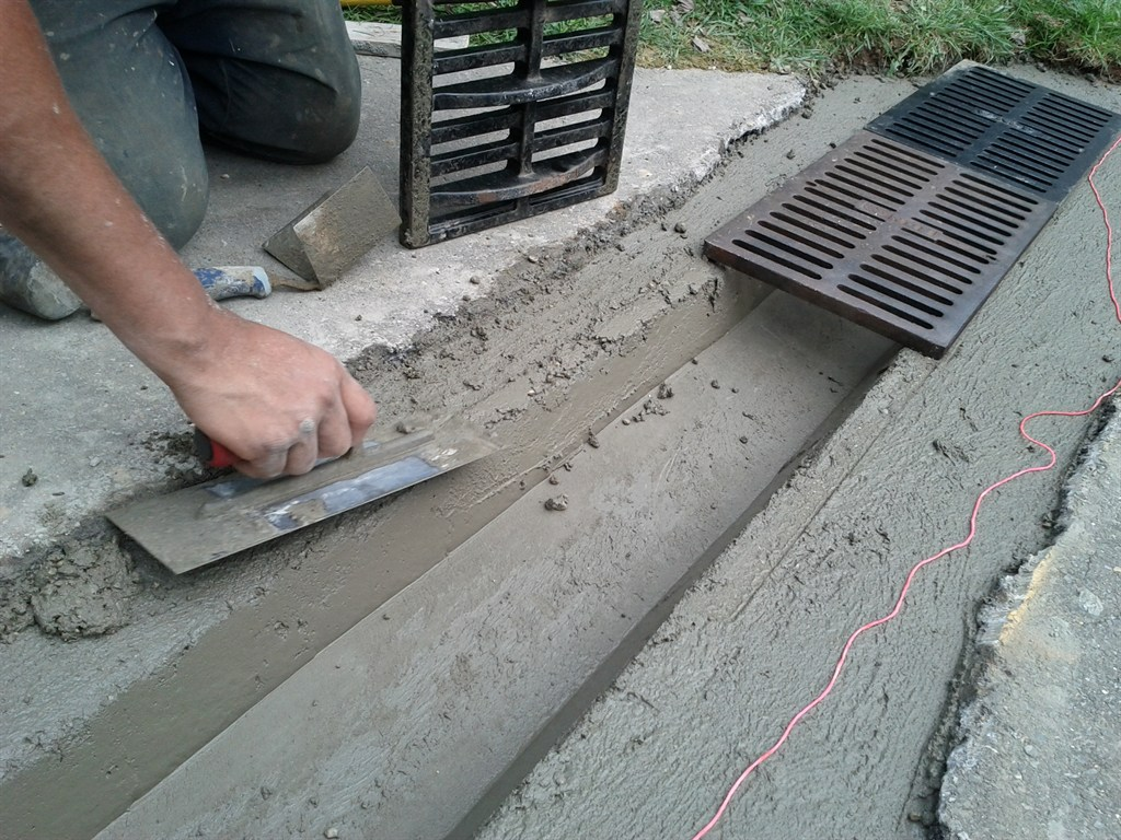 Dominic 39 s paving frederick md 21703 angies list for How to build a concrete driveway
