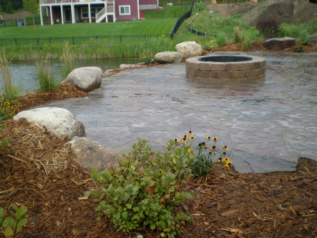 Natural Fire Pit Patio
