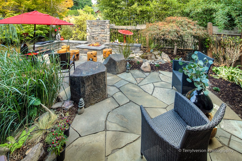 FLAGSTONE PATIO RETREAT W/BUBBLER, PAVER PATIO WITH FIRE PLACE AND SEAT WALLS