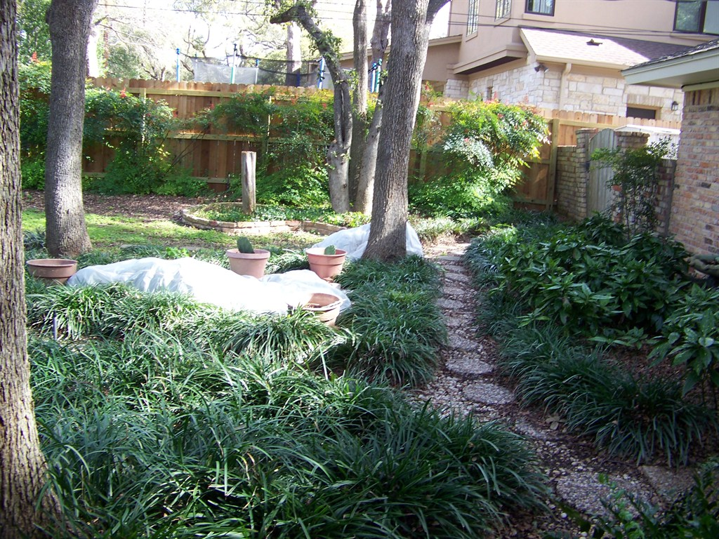 Backyard Hill Drainage :  your outdoor landscape Jo Ellen Meyers Sharp offers tips to do this