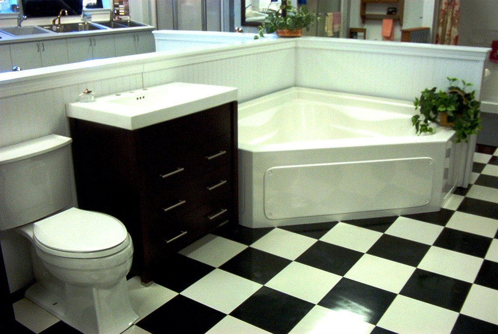 Tub & Petite Vanity Sink