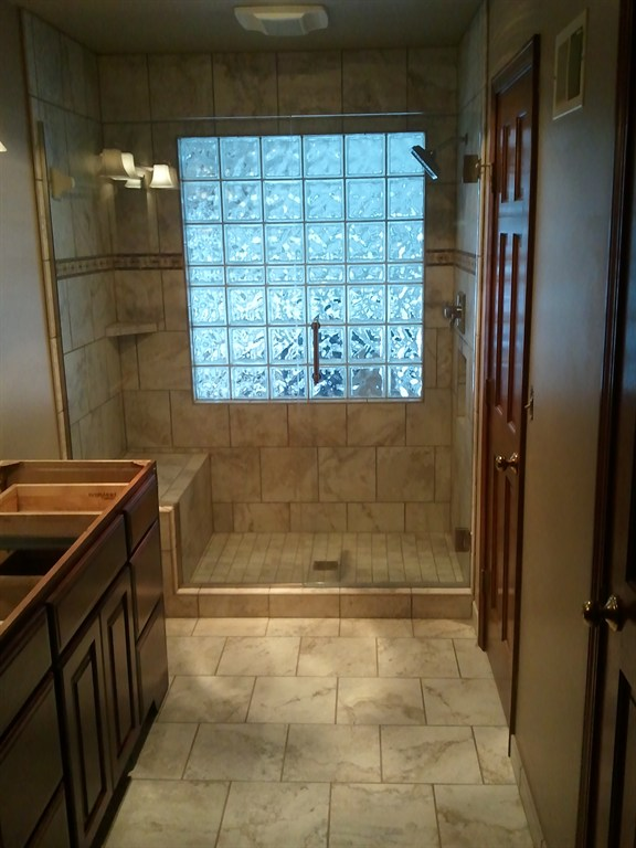 CUSTOM SHOWER WITH SEAT