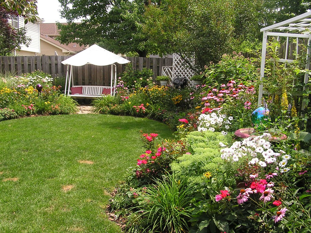 In out design arlington heights il 60004 angies list for Xiomara s garden design