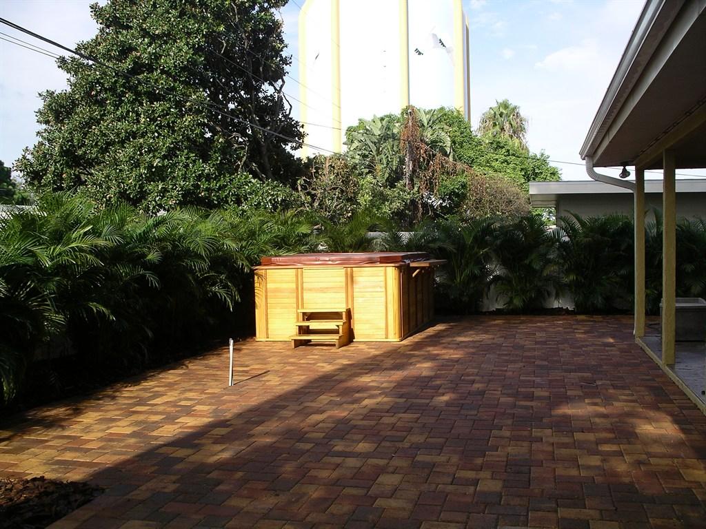 Backyard Paver Patio and Perimeter Plantings
