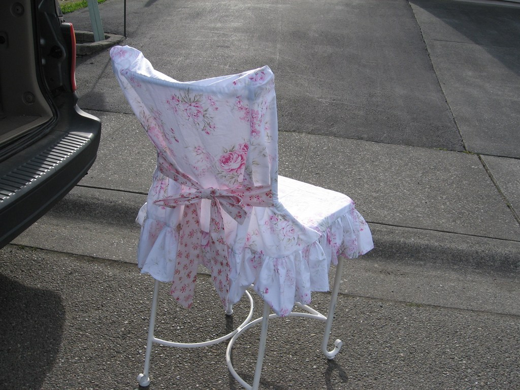 Metal chair slipcover