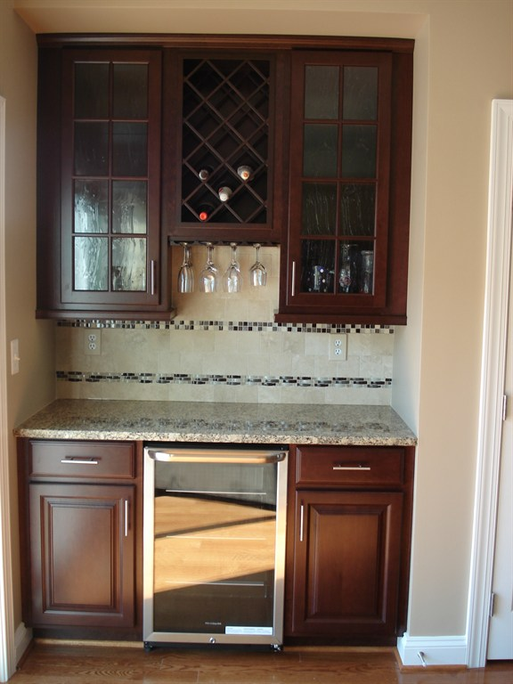 Granite outlet and cabinet design center timonium md for Maximum granite overhang without support