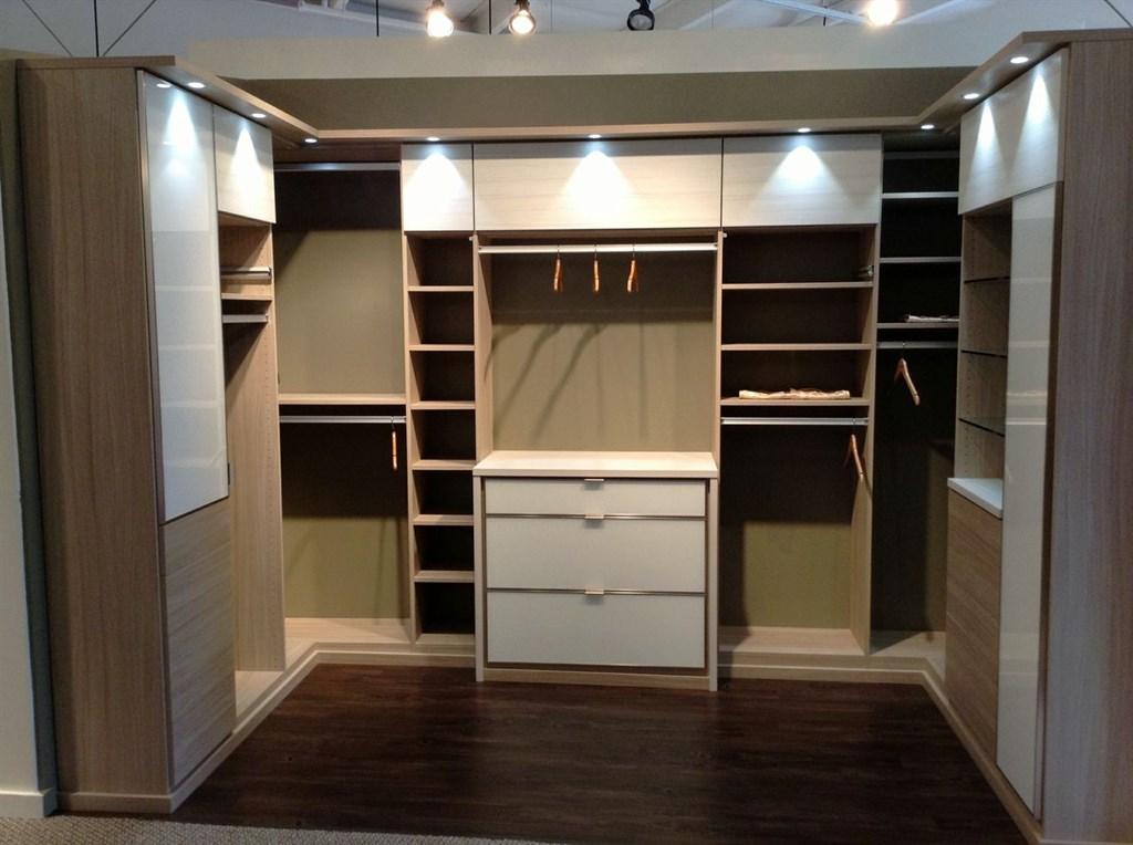 3 spectacular cape cod closets home plans blueprints for Cape cod closets