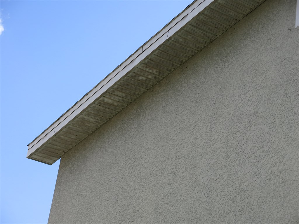Soffits Before Cleaning