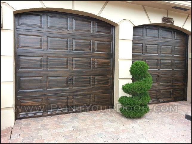 Door diva wood grain faux garage doors coral springs fl for Wood grain garage doors