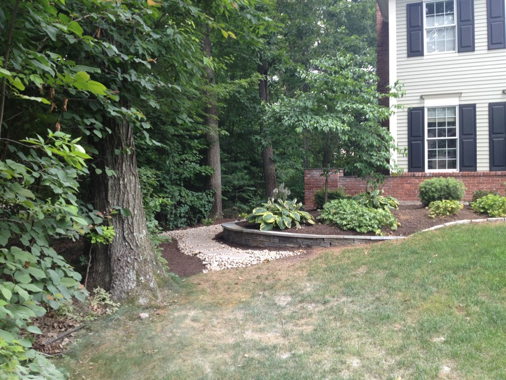 Birch hill landscape design llc newington ct 06111 for Hill landscape design