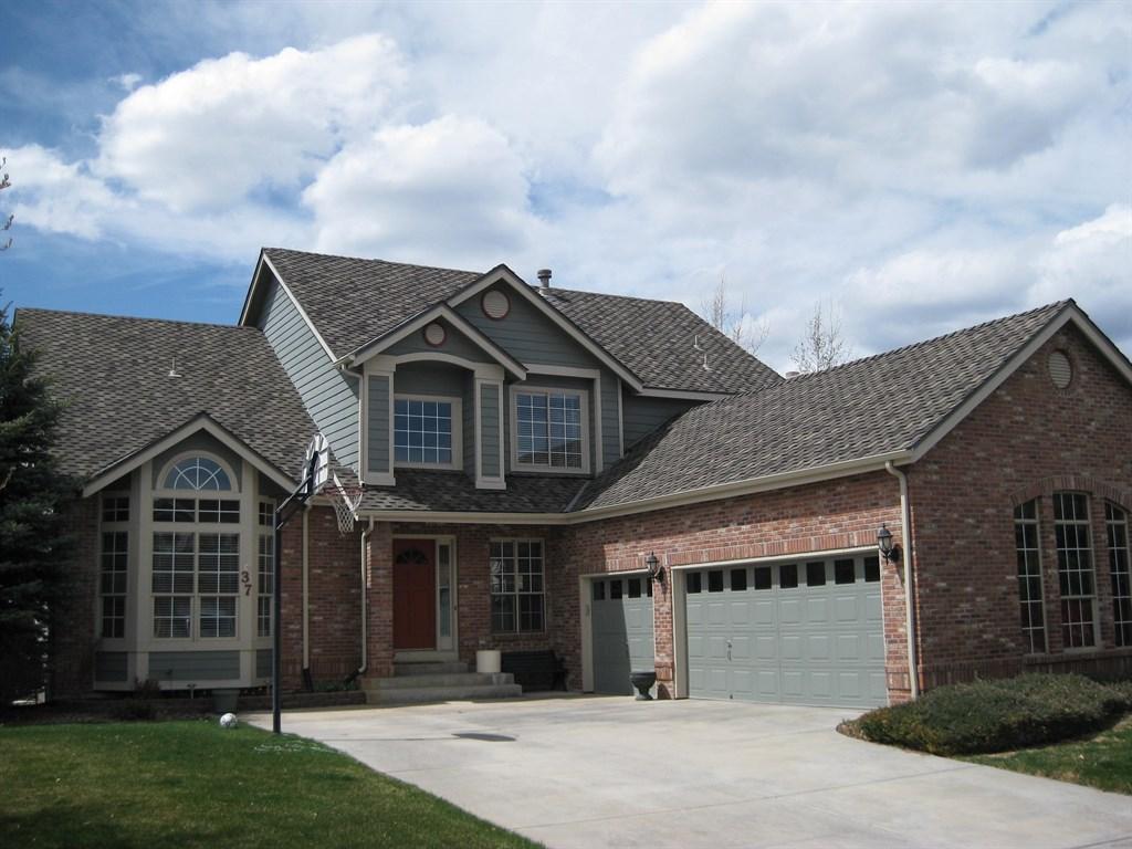 Gray shingle roof