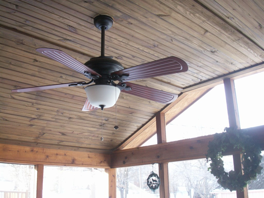 Screened In Porch with Deck-Kansas City, MO