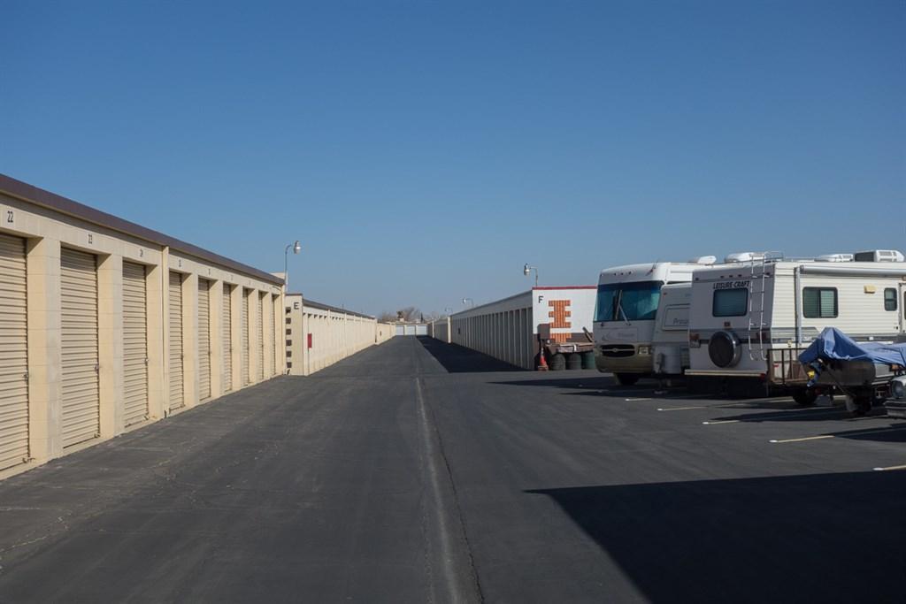 Stor Rite Vehicle and Storage Units
