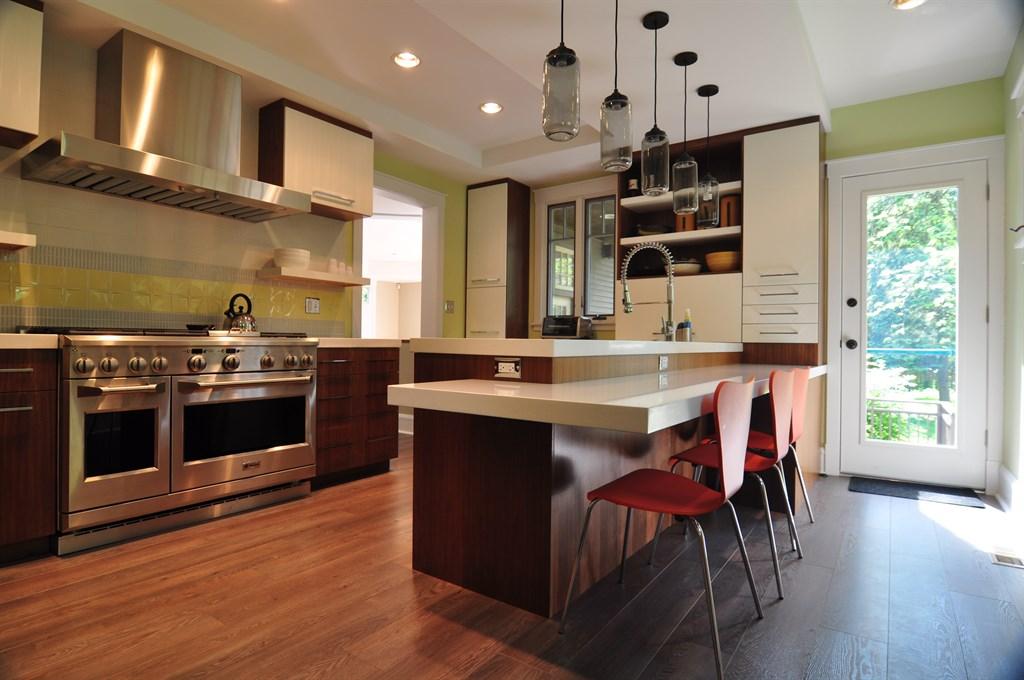 Woodbine Ave Kitchen