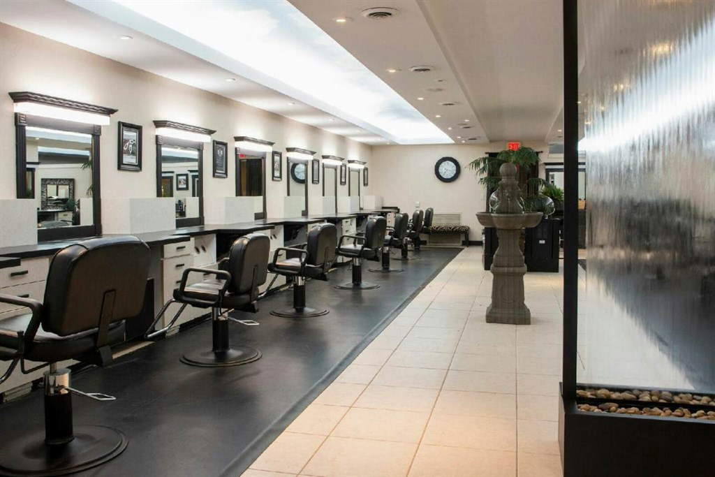 Ultimate veritas spa salon madison wi 53716 angies list for 007 salon madison wi